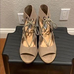 Steve Madden Taupe Suede Heels Sz 8.5